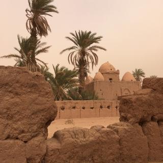 Tijdens een zandstorm in de Marokkaanse Sahara spreken de kleuren nog meer tot de verbeelding.
